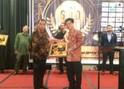 Penerimaan Penghargaan GOLD Certificate of Best Indonesia Clinic & Pharmacy